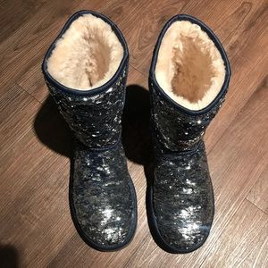 UGG 🔴 Classic Short sequin Boots